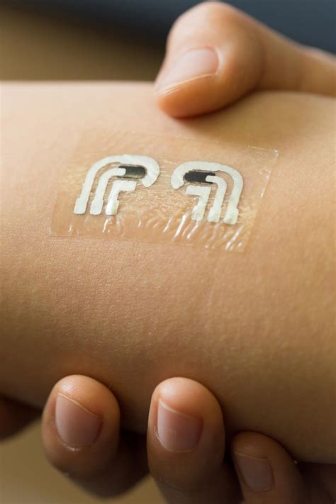 tattoo like sensor can detect glucose levels without a