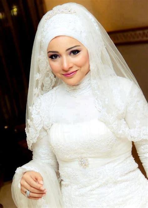 Baju Nikah Muslim Putih untuk acara pesta pernikahan pesona modern