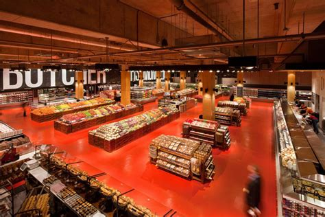 loblaws at maple leaf gardens opens to fanfare loblaws food store by landini associates toronto 187 retail