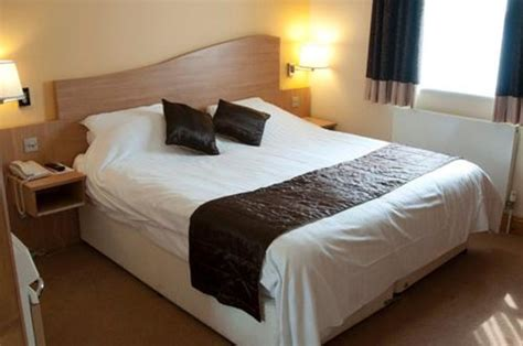 cheap rooms to rent in peterborough queensgate hotel peterborough reviews photos price comparison tripadvisor