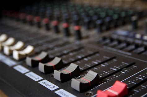 image de table de mixage comment choisir votre table de mixage tabledemixage info