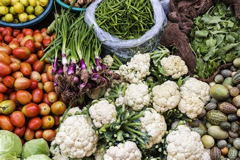 vegetables and fruits in season october seasonal fruits and vegetables list