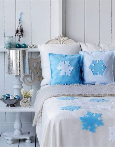 snowflake bedroom 32 adorable christmas bedroom d 233 cor ideas digsdigs