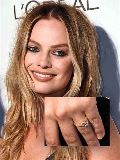 margot robbie ring margot robbie shows off her stunning engagement ring at