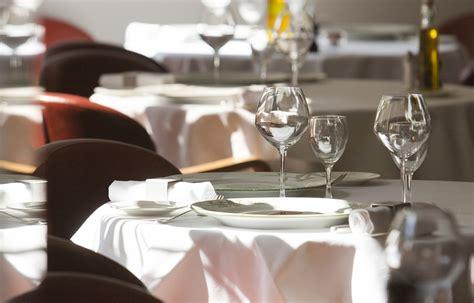 cucina gastronomica e grandi tavole di nizza per una cucina gastronomica a
