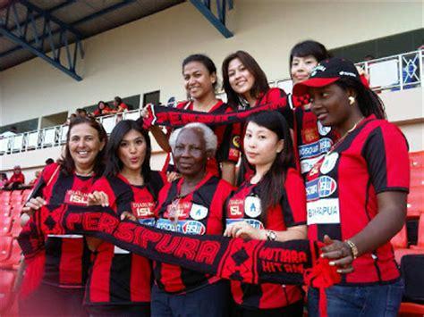 Kaos Bola 2 Supporter Persipura Jayapura august 2011