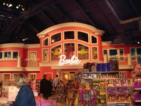 dream house nyc life size barbie dreamhouse inside toys r us picture of