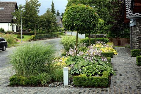 vorgarten mit gräsern vorgarten gestalten mit kies und gr 228 sern gartengestaltung