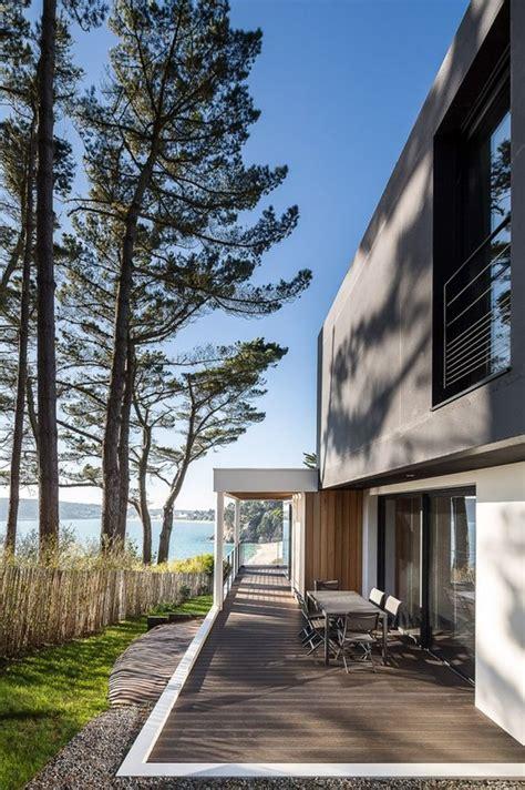 terrasse yves splendide maison contemporaine au bord d un lac en