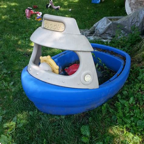 little tikes boat sandbox find more little tikes tuggy boat pool and or sand box w
