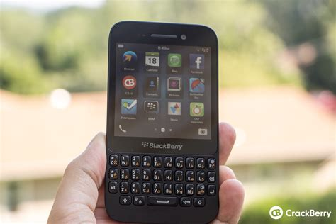 Handphone Blackberry Q5 Os 10 blackberry q5 review crackberry