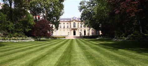 jardin hostels le jardin de matignon gouvernement fr