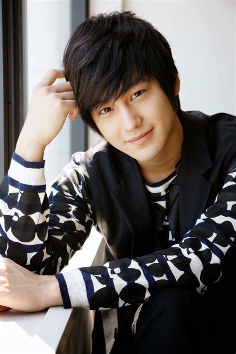 hot korean actors news 2014 10 most handsome and popular korean actors in 2014