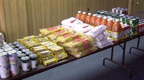 Thanksgiving Food Basket Giveaway - bethlehem apostolic temple holding thanksgiving food basket giveaway wtov