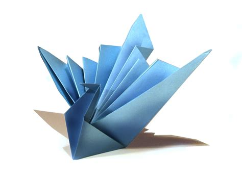 How To Fold Paper Into A Bird - easy origami bird origami tutorial how to make an easy