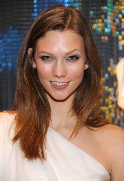 karlie kloss hair color karlie kloss hair transformation 8 times the model was