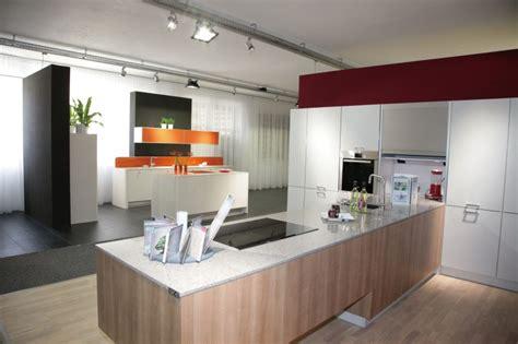 Gloss Laminate Kitchen Cabinets Jisheng High Gloss Laminate Kitchen Cabinets Place In Big Space Db Kitchen