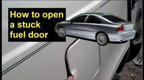 how petrol cars work 2004 volvo s40 instrument cluster fuel door emergency release volvo s80 s60 v70 s40 xc90 etc auto repair series youtube