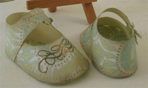 How To Make Shoes Out Of Paper - paper baby shoes template 1 print out template on your