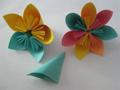How To Make Flower With Origami Paper - easy origami crafts