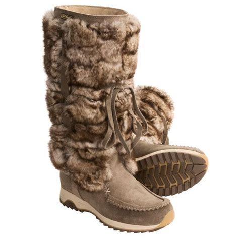 womans fur boots 22 excellent fur winter boots sobatapk