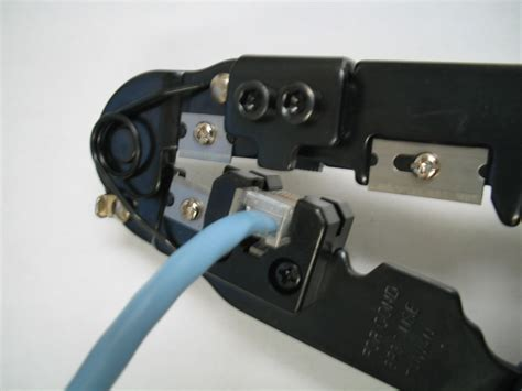 membuat jaringan lan dengan kabel utp membuat kabel jaringan utp dengan konektor rj45 sma