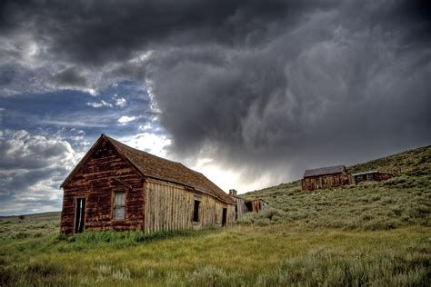 abandoned towns ghost town
