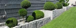 gartengestaltung mit palisaden natursteine f 252 r den garten natursteinpark ruhr
