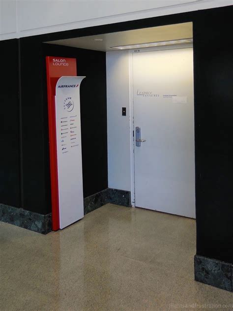 Door Spa Houston by What Is It With The Door On The Salon Air Lounge At