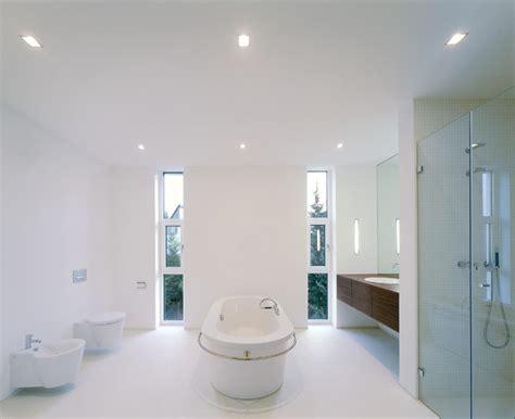 badezimmer frankfurt freistehende badewanne in wei 223 em bad modern badezimmer