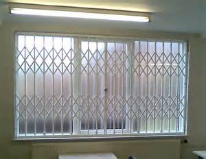 Folding concertina security grilles for home business window door
