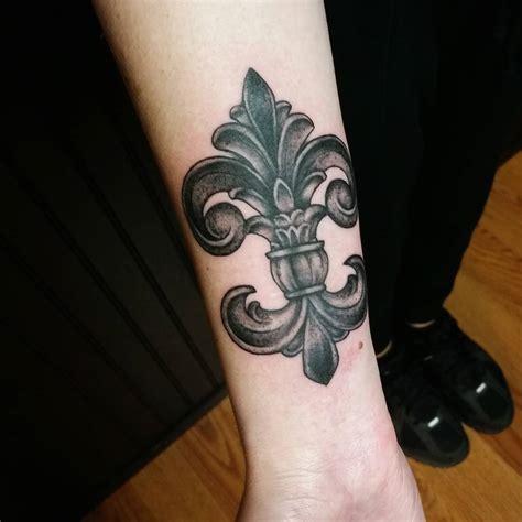 fleur de lis tattoo fleur de lis images designs