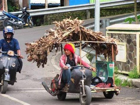 modifikasi vespa anak kumpulan modifikasi vespa quot gila quot ini hanya ada di indonesia