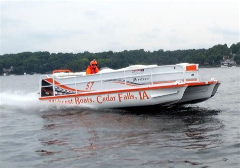 offshore pontoon boats serious offshore ozarks lake race 2014 toon race