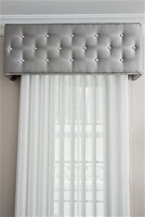 idea cornice 25 best ideas about window cornices on window