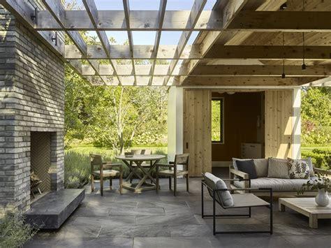 decoracion de jardines pequeños con palmeras piscinas en patios interiores cheap chill decoraci n