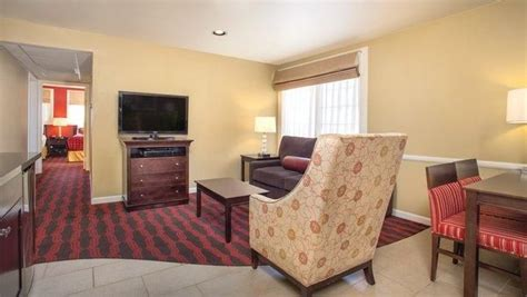 two bedroom suites in anaheim anaheim ca 2 bedroom suite steps away from disneyland w
