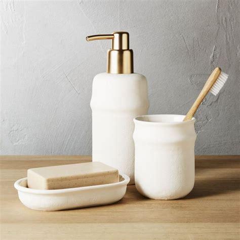 Modern Bathroom Accessories by Best 25 Gold Bathroom Accessories Ideas On