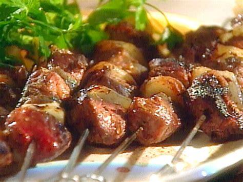 lamb kebabs brochettes