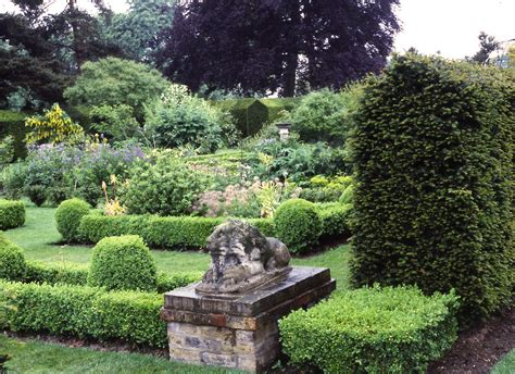 Garden Manor by Capel Manor Garden