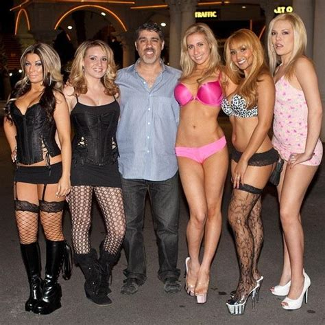 howard stern boat party gary dell abate hosts ces party at rick s cabaret vegas