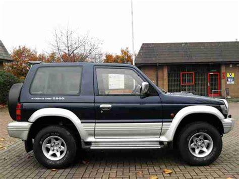 mitsubishi pajero 2 8 ltd edition swb 3 doors 4x4 automatic green low mileage long mot mitsubishi pajero swb 2 8td gls automatic blue 1994 4x4 shogun car for sale