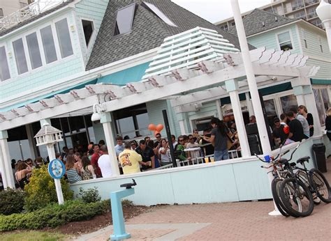 20 great restaurants virginia beach vacation guide waterman s surfside grille virginia beach vacation guide