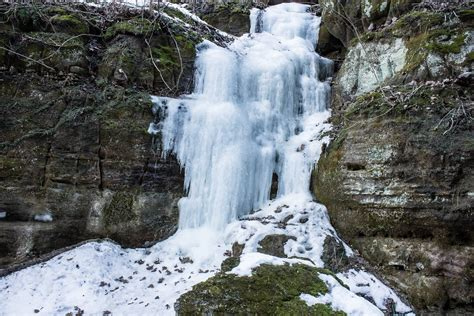 frozen waterfalls frozen waterfalls at parfrey s glen wisconsin free