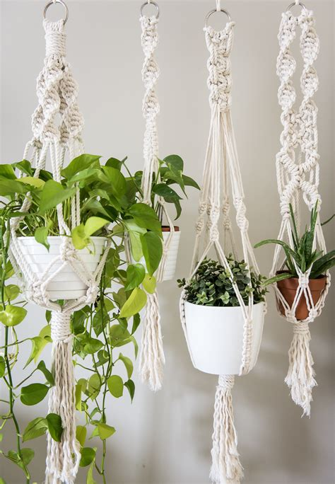 Macrame Plant - learn three basic macrame knots to create your wall hanging