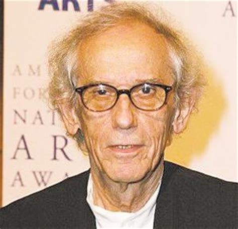 christo biography artist javacheff christo artist biography for javacheff christo