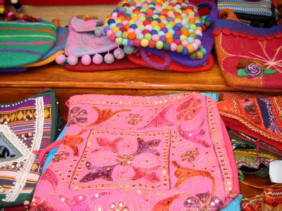 Handmade Items That Sell At Flea Markets - cheapest items to sell at flea markets with pictures ehow