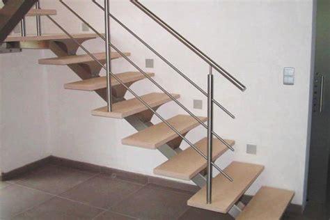 escalera interior foto escalera interior de madera y acero inoxidable de