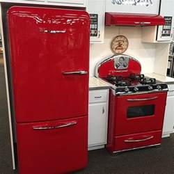 vintage looking kitchen appliances 1950s appliances new retro refrigerators retro style