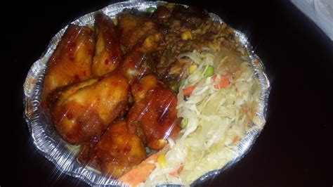 Jamaican Flavors Springfield Gardens Ny Wings Rice With Oxtail Gravy And Veggies Yelp